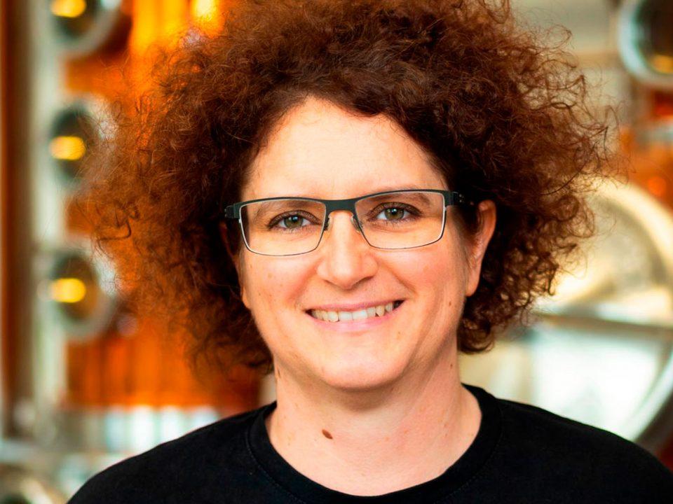Portraitfoto von DI Dr. Carmen Krauss, CEO von Distillery Krauss