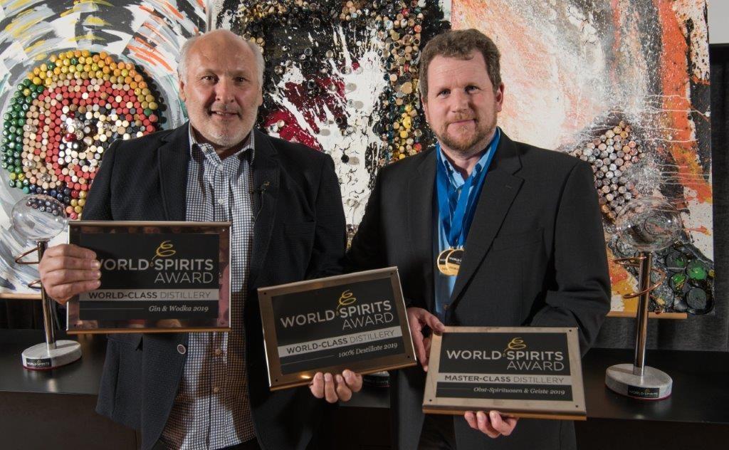 DI Dr. Werner Krauss mit Wolfram Ortner bei der World Spirits Award Verleihung 2019
